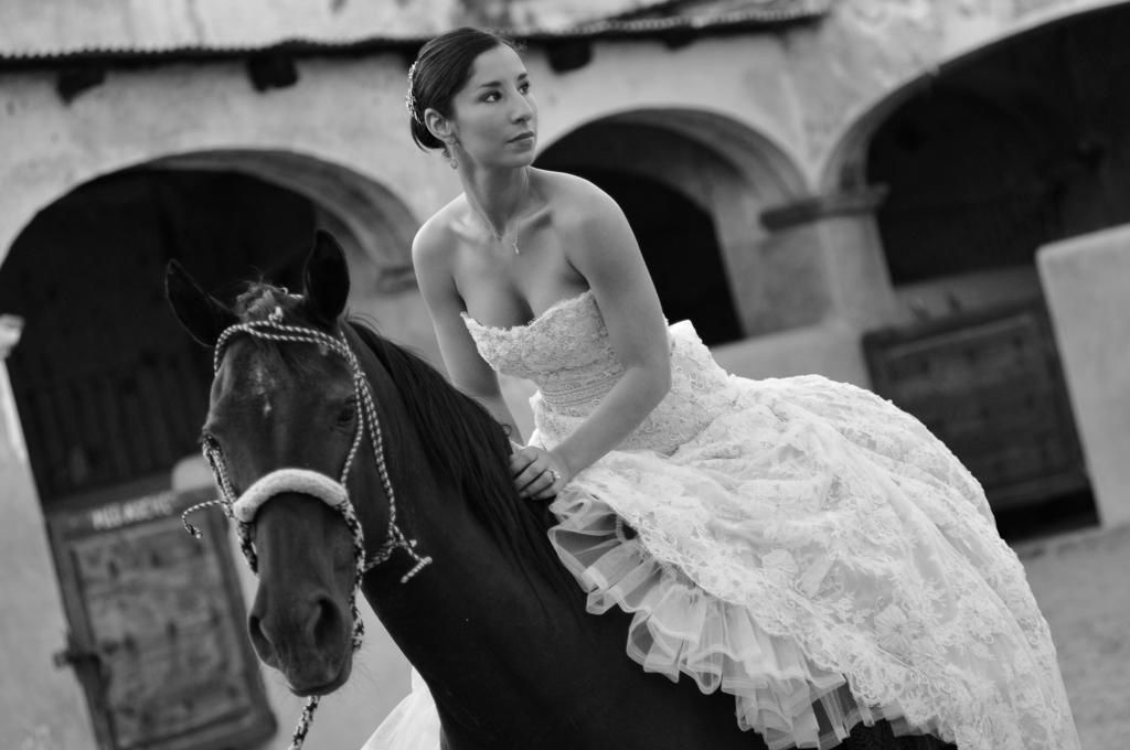 La novia y su caballo