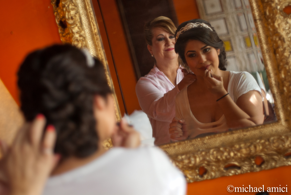 Bride & mom get ready