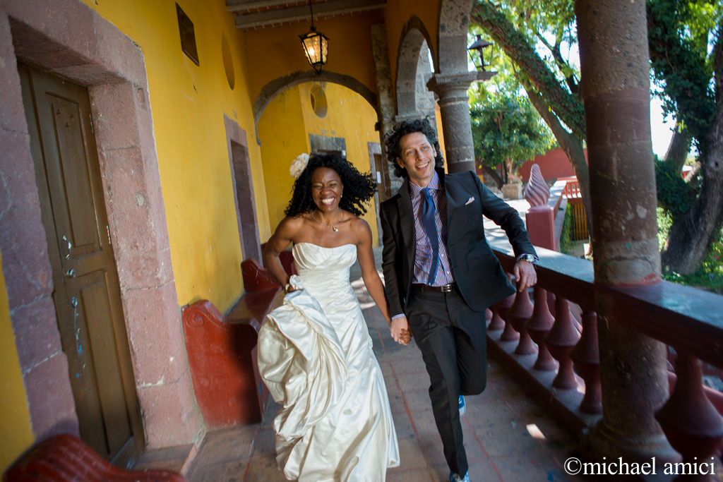 Casa de Cultura wedding portrait